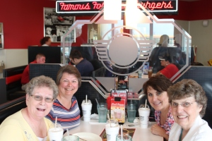 The moms and daughters at Steak & Shake